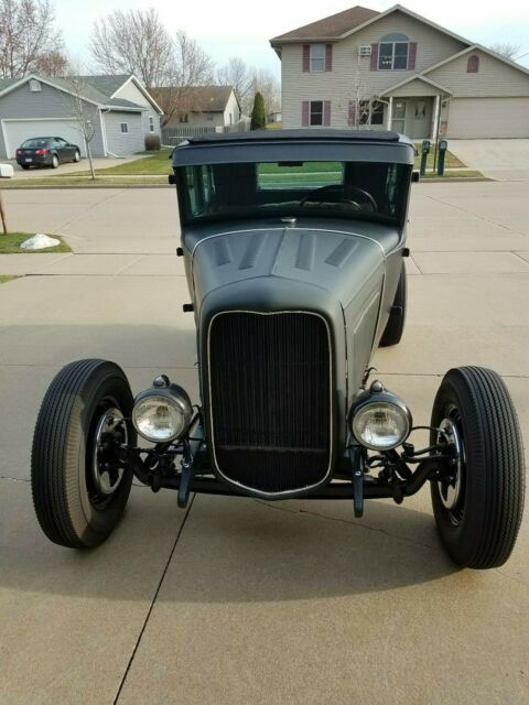 1931 Ford Model A coupe chopped traditional hot rod jalopy flathead