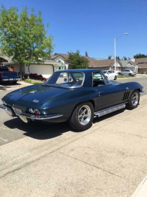 1966 corvette 427 roadster 4 speed Laguna Blue - Classic