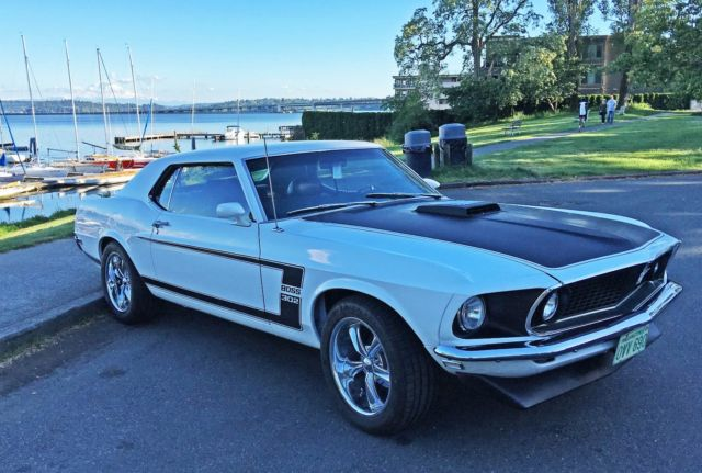 1969 FORD MUSTANG 302 BOSS RESTOMOD TRIBUTE, OXFORD WHITE, FUEL