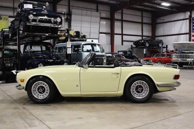 1971 Triumph TR6 84064 Miles Jasmine Yellow Convertible 6