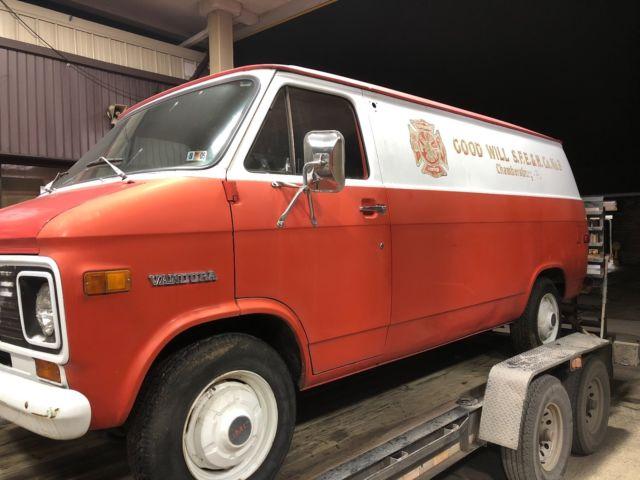 1972 GMC VANDURA VAN 7450 ORIGINAL MILES