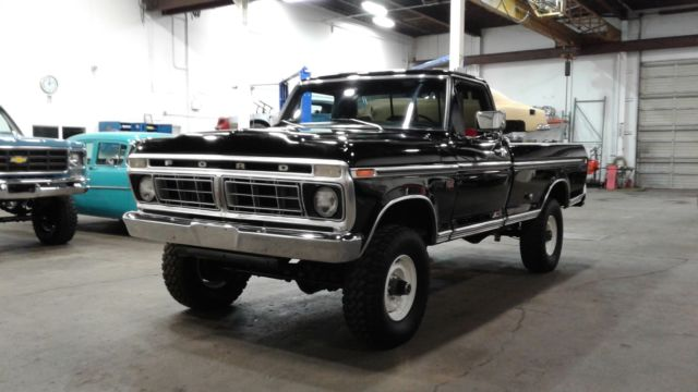 1976 f250 4x4 ranger xlt high boy raven black bright red 390 428 hp rh mfpclassiccars com 1976 Ford F-250 Lifted 1976 Ford F 250 Specifications