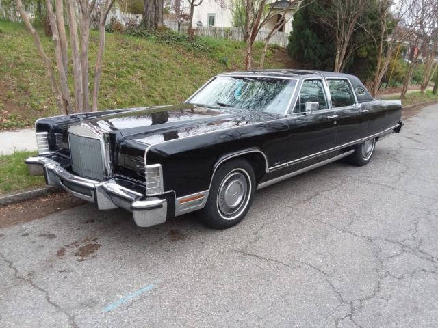 1977 Lincoln Town Car triple black leather interior, nice