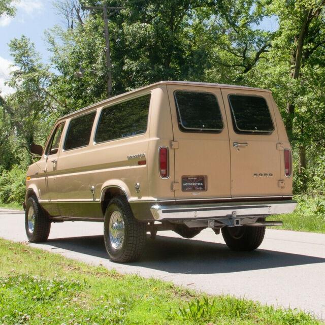1978 Ford Econoline 250 Club Wagon Chateau Van - Classic