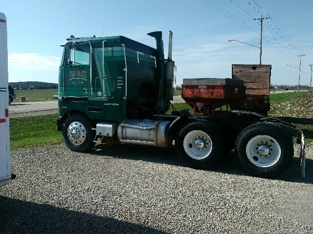 1981 Peterbilt 362 Base Tractor Truck - High Tilt 14 0L - Classic