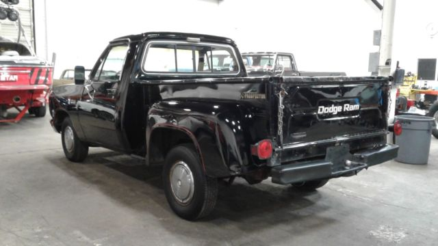 1982 Dodge D150 Royal Prospector Short Narrow Utiline