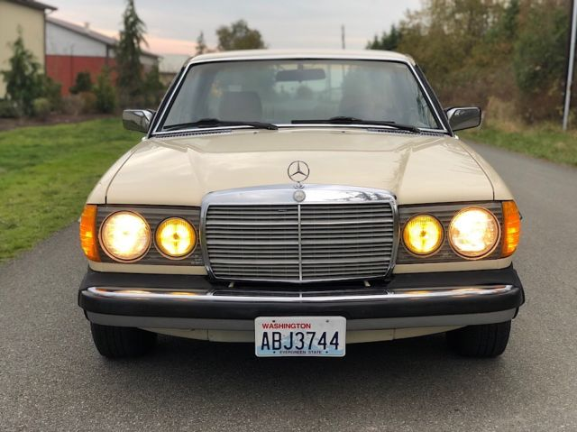 1982 MERCEDES-BENZ 300CD TURBO-DIESEL COUPE - LOW MILES ...