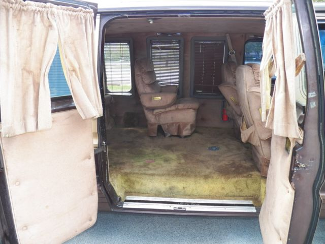 1983 FORD ECONOLINE FOXEY CONVERSION VAN WITH OVERDRIVE