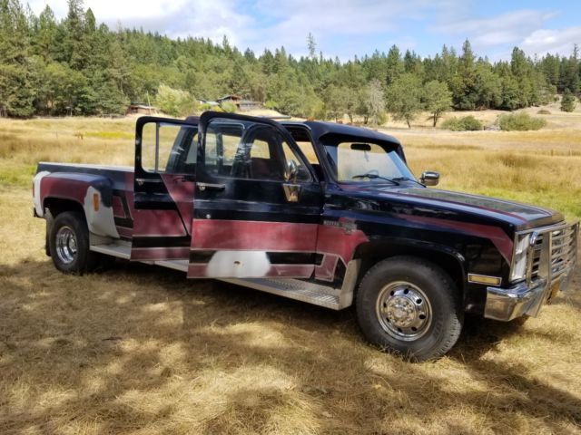 1987 Chevrolet R30 3500 Crew Cab square body Dually Western Haul