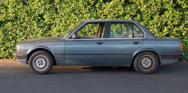 1989 BMW 325I E30 Needs work! comes with new parts and a