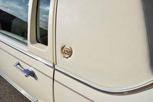 Classic 1992 Cadillac Brougham D