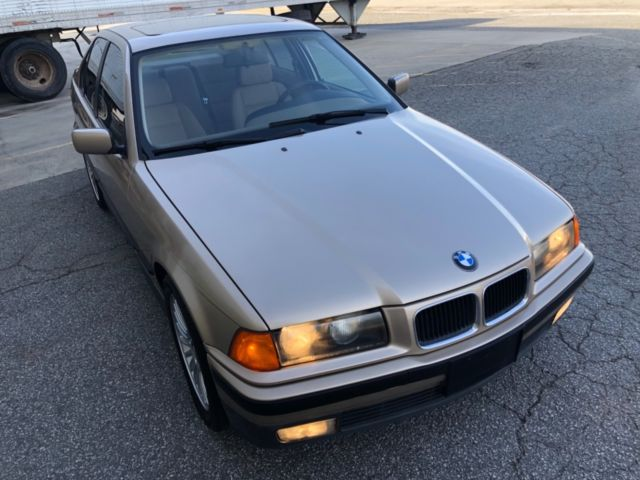 1994 BMW e36 325i Sedan NONSMOKER Rust Free Classic
