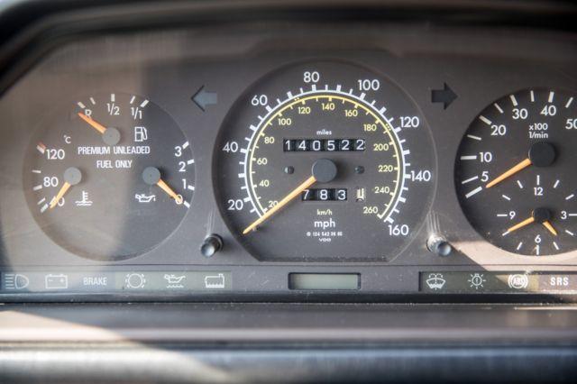 1994 Mercedes Benz e320 wagon W124 black 32d row seat LOW MILES