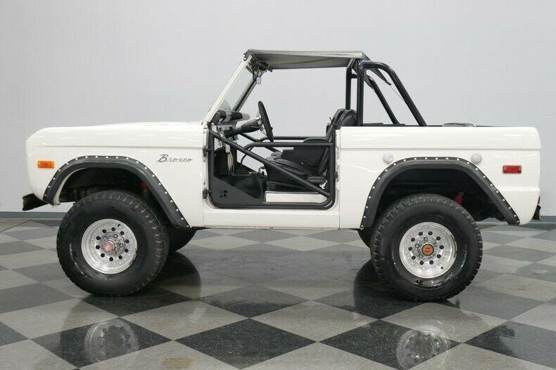 302 ci V8 motor manual transmission early classic Bronco ...