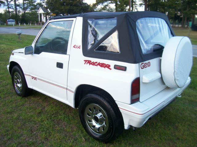 Geo Tracker Automatic X Convertible Sidekick Suv Jeep Towing Rare Sport