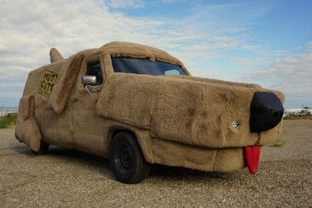 A Tribute Mutt Cutts Van from the Movie Dumb and Dumber