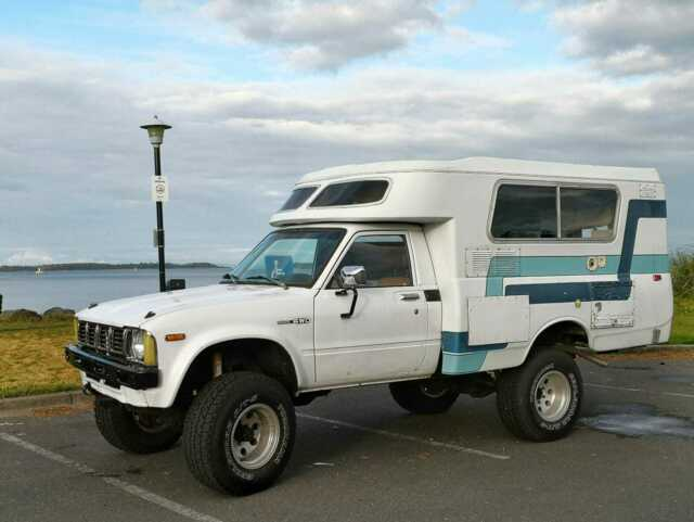 Camper truck off-road 4wd 4x4 chinook pop top expedition