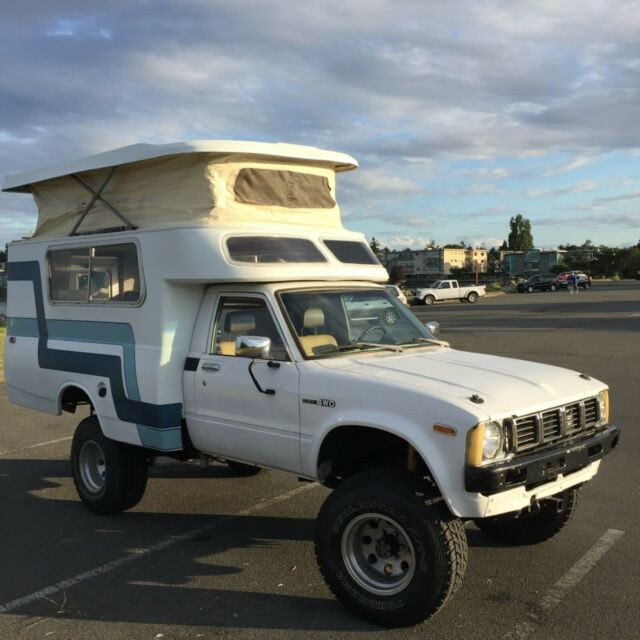 Camper truck off-road 4wd 4x4 chinook pop top expedition vehicle van