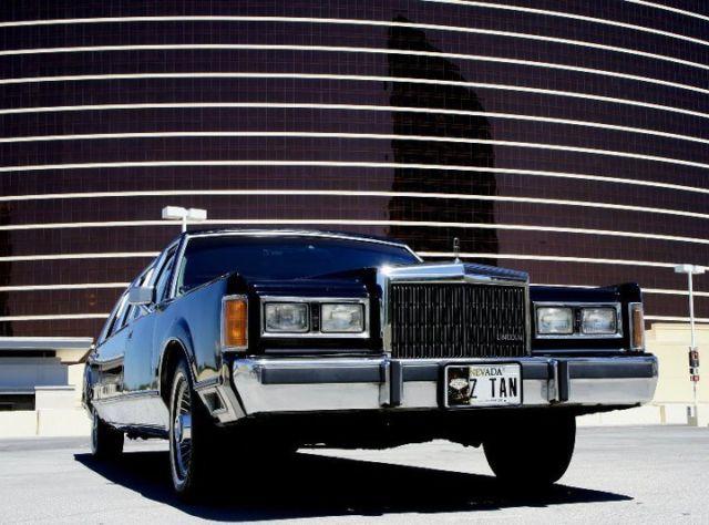 Classic 1989 Lincoln Town Car Limousine 6 Passanger Classic 1989