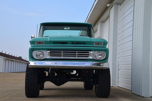 DELMO'S SPEED AND KUSTOM 1962 CHEVROLET K30 LS3 VINTAGE AIR BILSTEIN