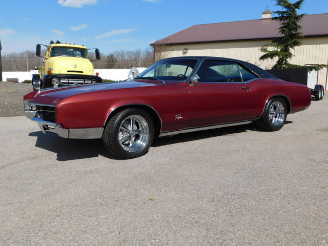 Immaculate 1967 Buick Riviera, Low Mileage, 430