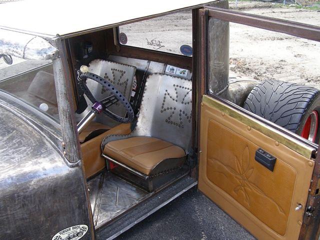 RAT ROD, HOT ROD, CONVERTIBLE  - Classic 1932 Ford Model A
