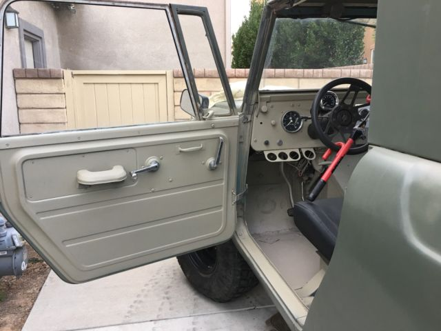 Scout 80 V8 All Chevy Drivetrain - Classic 1964 International