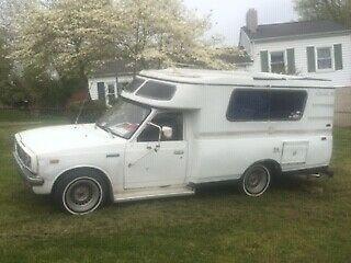 Toyota Chinook Hilux truck Rv motorhome camper camping